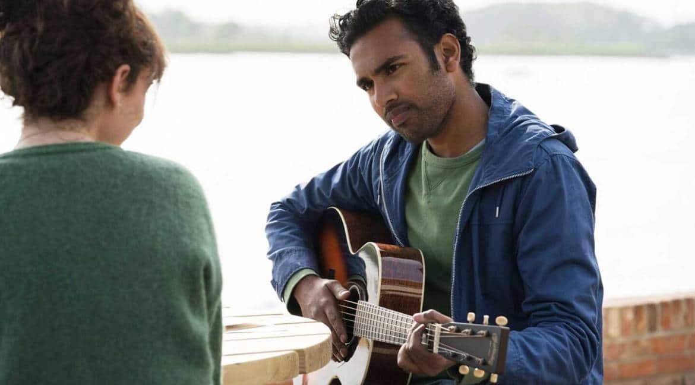 O ator Himesh Patel é Jack Malik em Yesterday. Foto: Universal Pictures/Divulgação