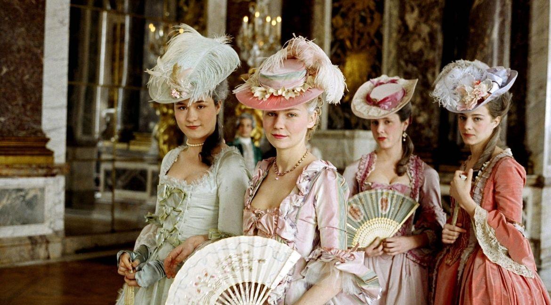 Filmes e séries parecidos com Bridgerton. Foto: Marie Antoinette/Sony Pictures