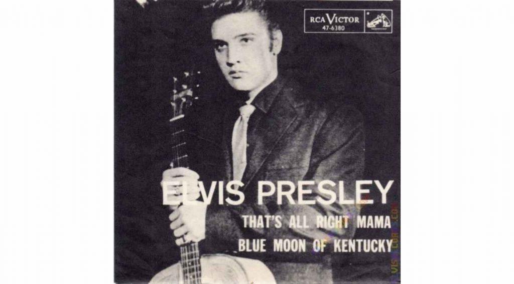 """O primeiro single de Elvis Presley reunia as músicas """"That's All Right (Mama)"""", no lado A, e """"Blue Moon of Kentucky"""", no verso"""