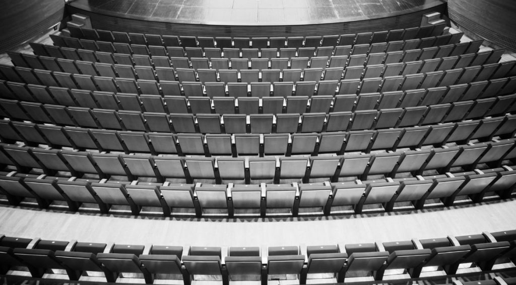 Curso online de recepção teatral. Foto: Banco de Imagens Canva